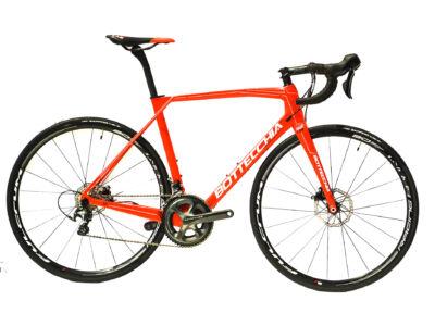 Bottecchia T2 DOPPIA CORSA ULTEGRA Di2 DISK 22sp Férfi Országúti kerékpár
